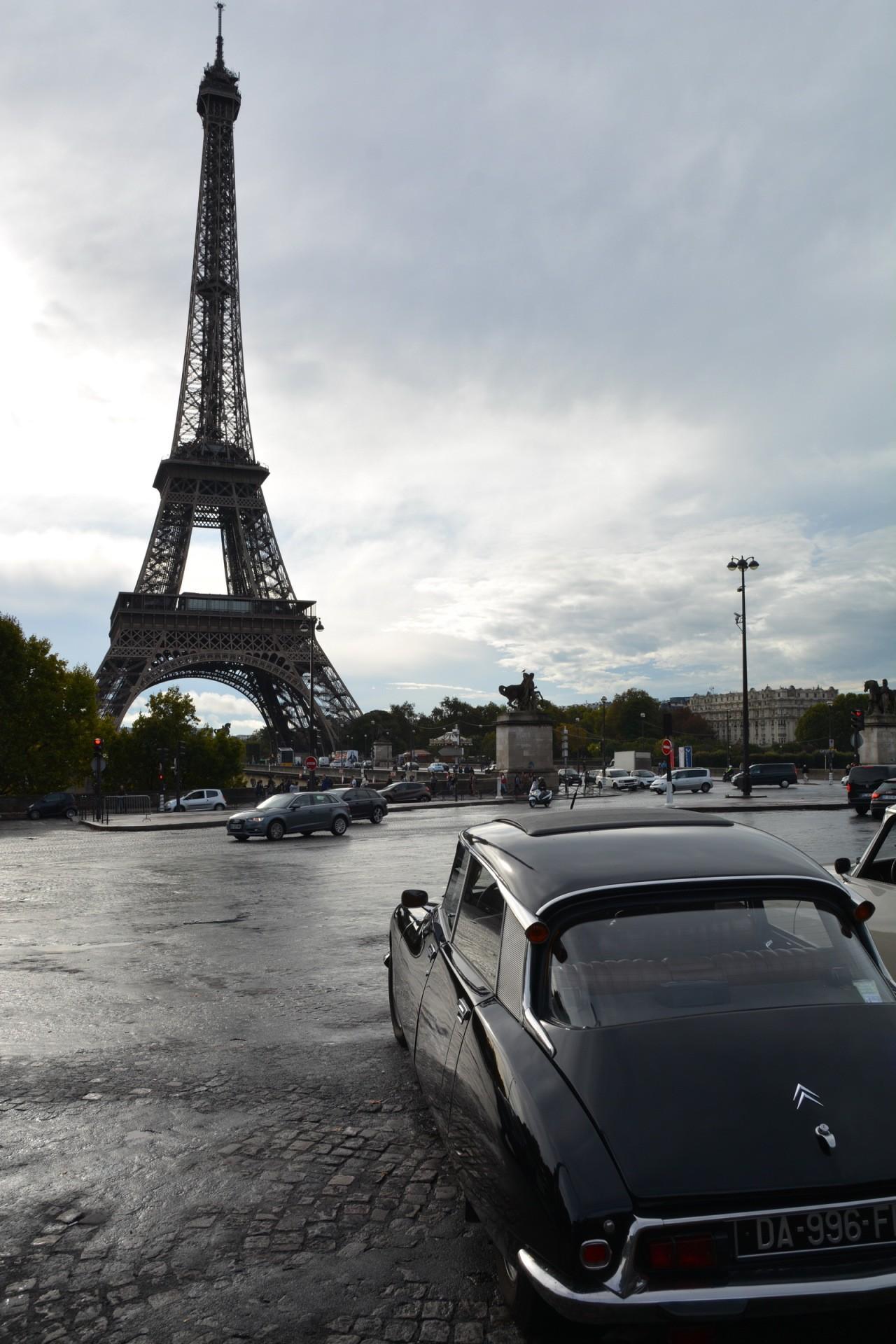Citroën DS 60 ans tour Eiffel 03