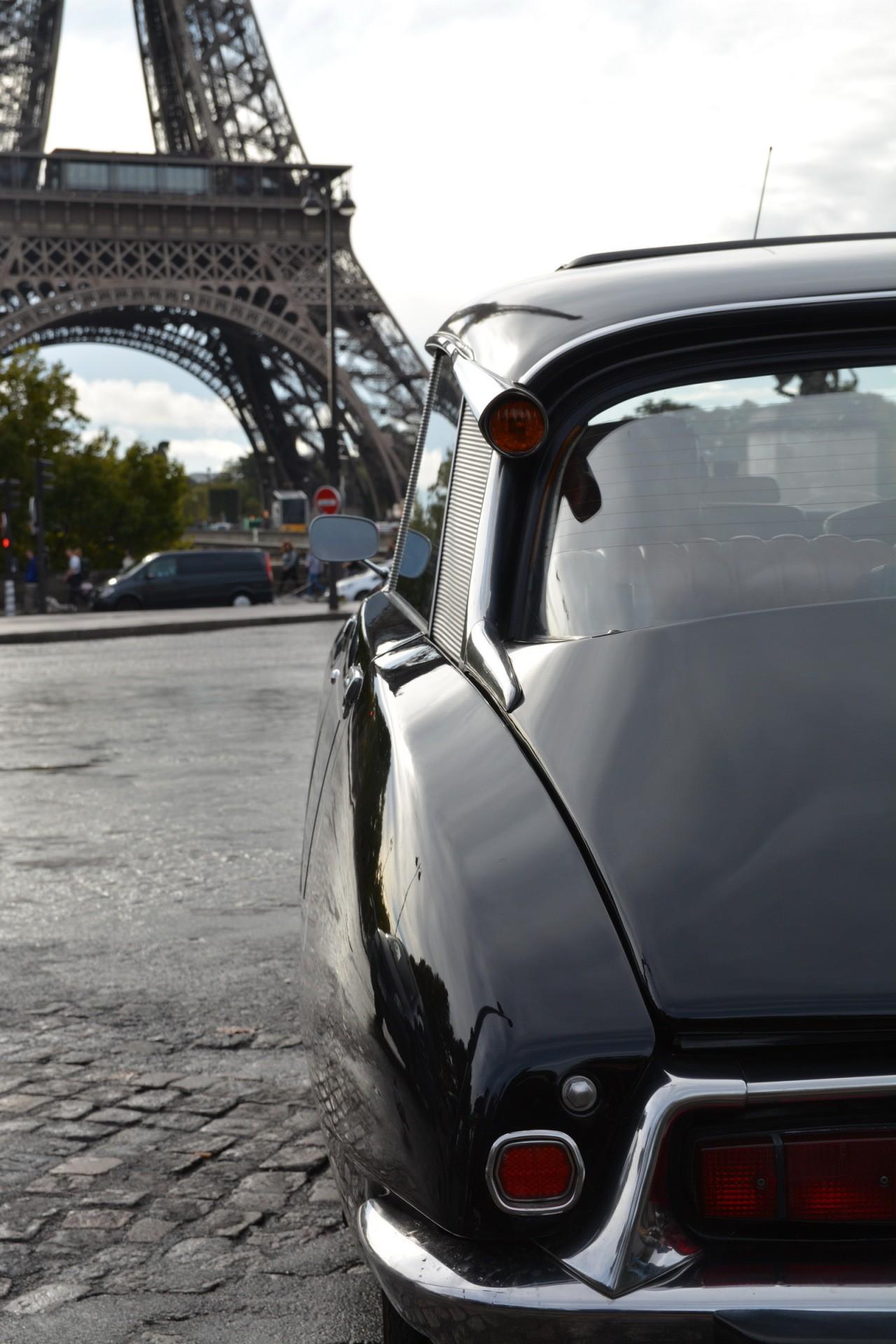Citroën DS 60 ans tour Eiffel 04