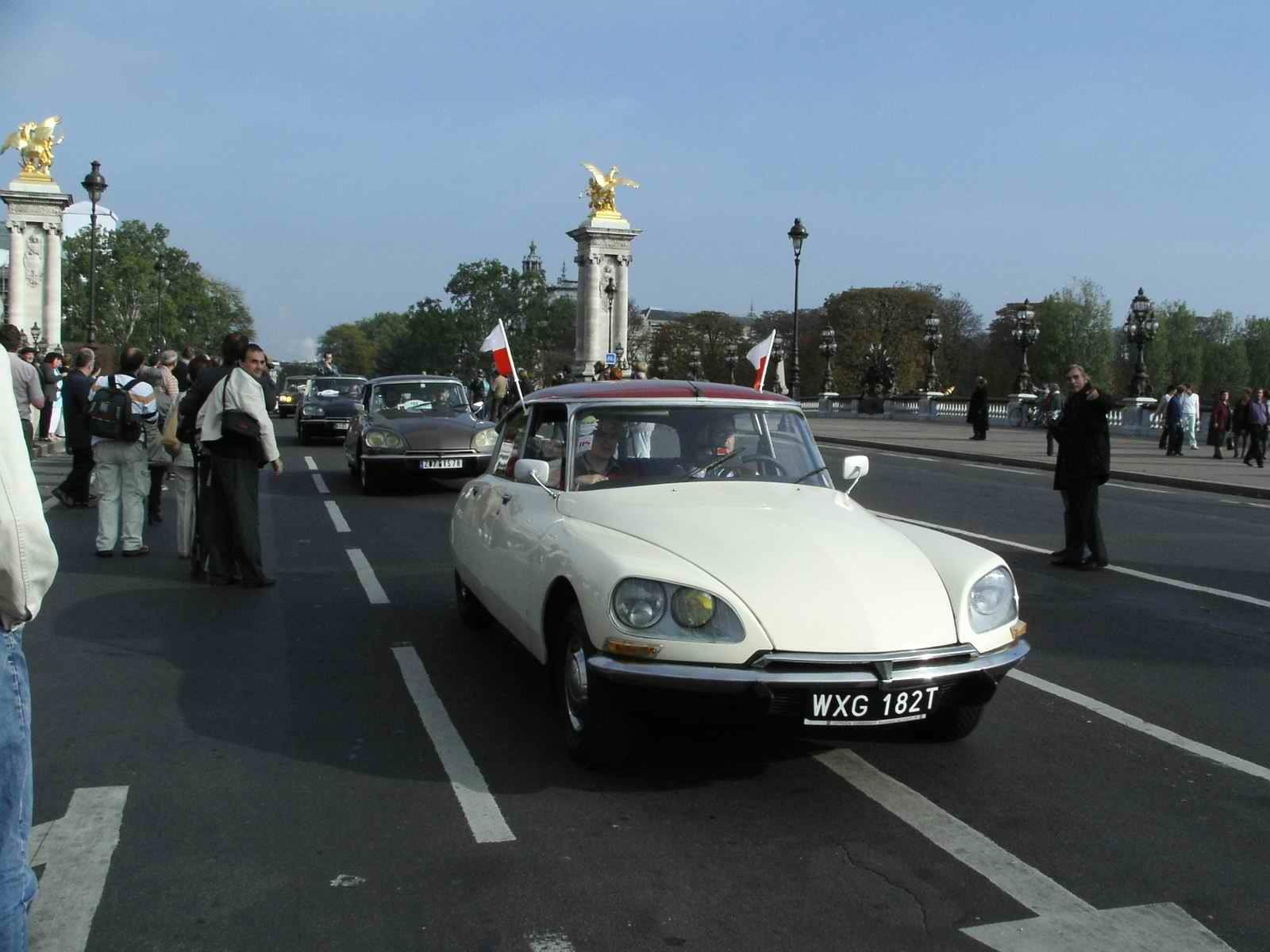 DS 50 ans Défilé Pont de l'Alma