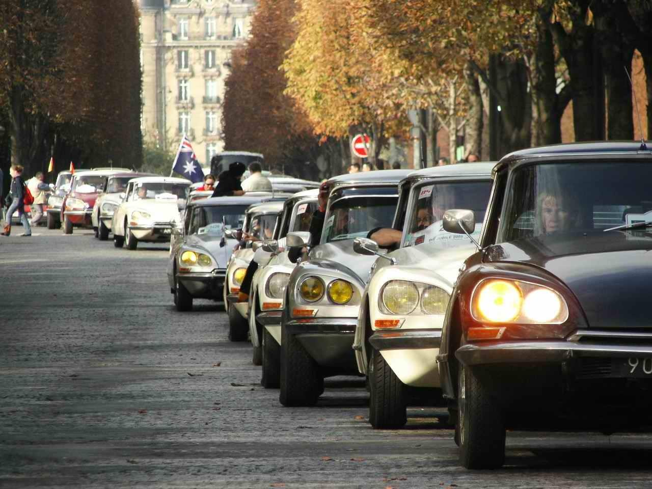 DS 50 ans Arrivée à la Tour Eiffel