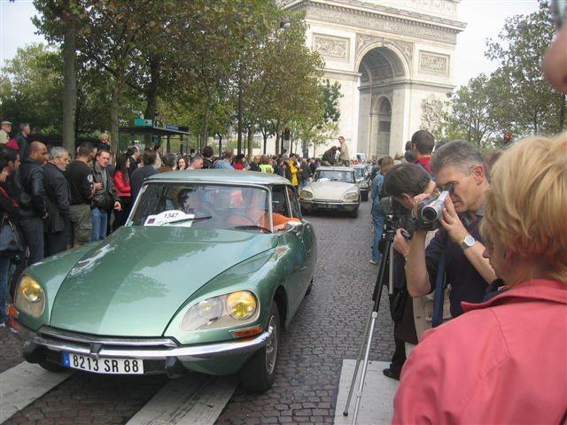 DS 50 ans Défilé Arc de Triomphe